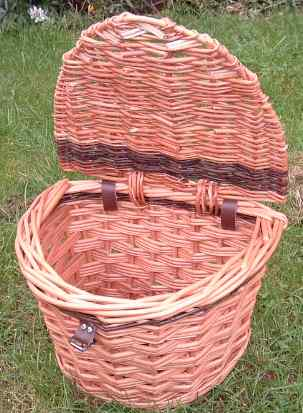 Bike basket with lid