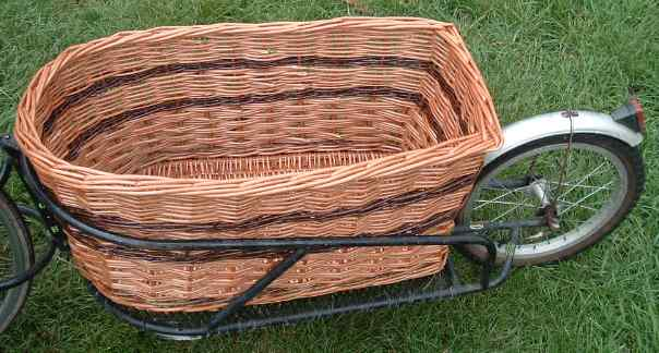 Photo of a basket suitable for a BOB Yak trailer