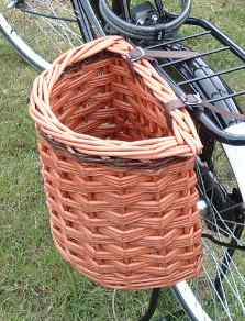 Pannier style bicycle basket